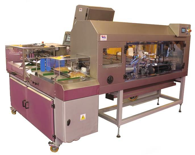 Automatic line for bread slicing and bagging