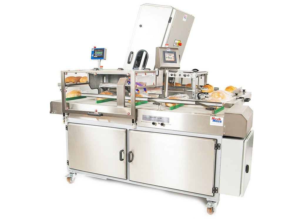 Bread slicing and packaging line