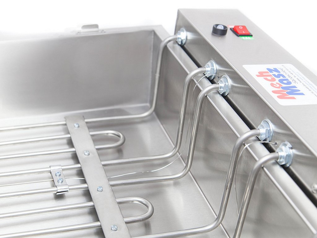 Doughnut fryer with a proofer heaters
