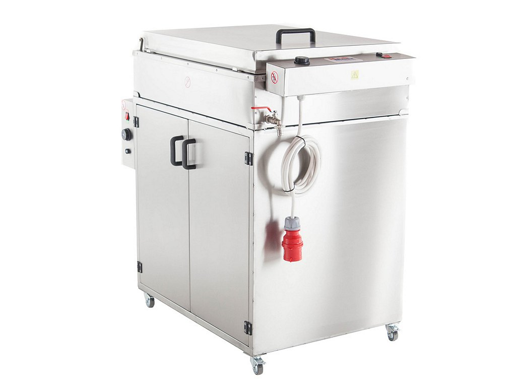 Doughnut fryer with a proofer side view