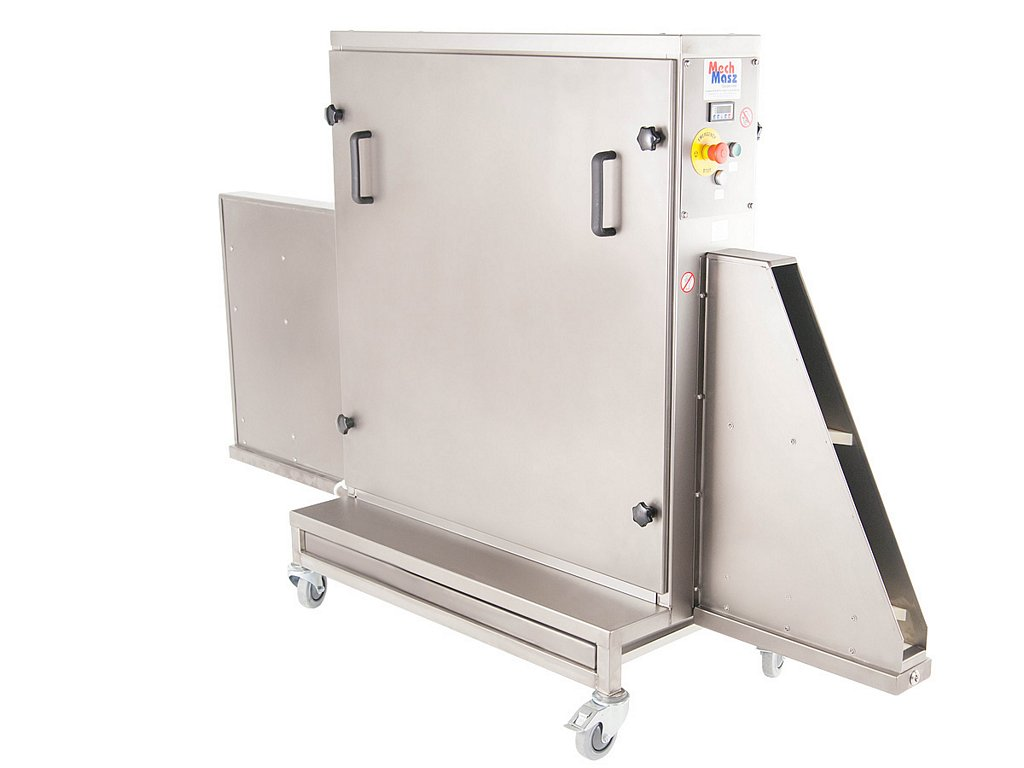 Trays cleaning machine