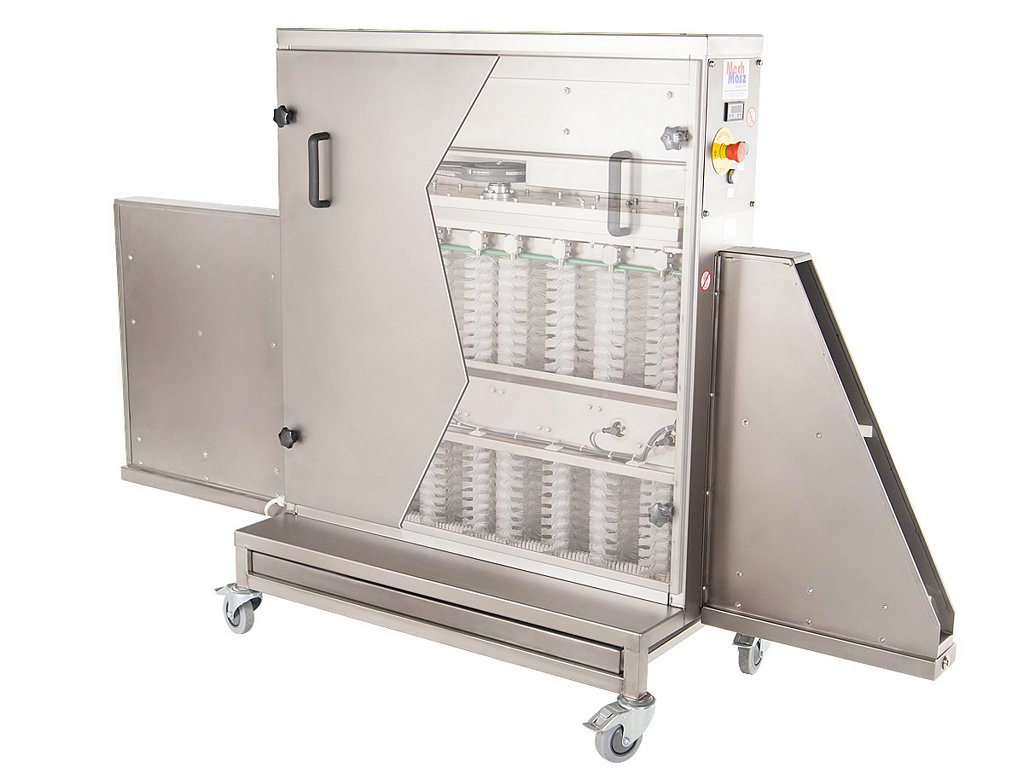 Trays cleaning machine scan