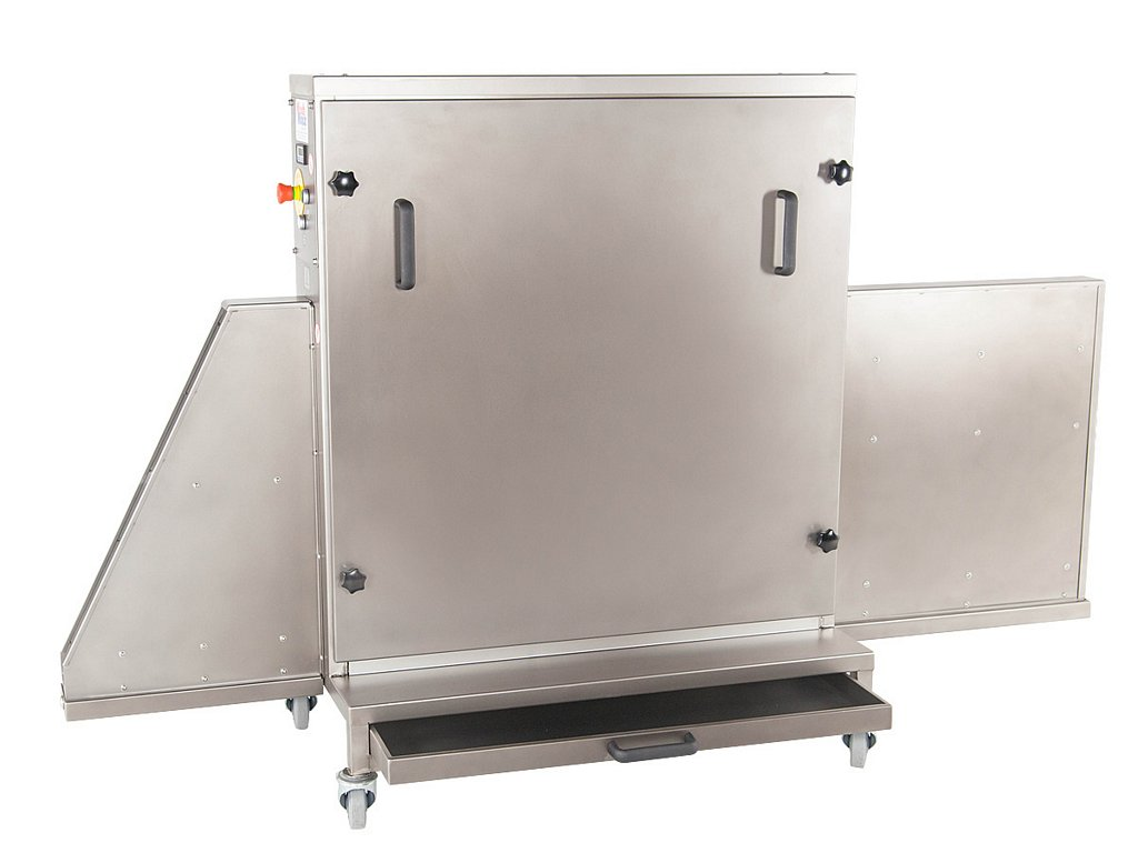 Trays cleaning machine side view open